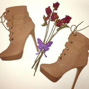 Shoe dazzle bootie heels